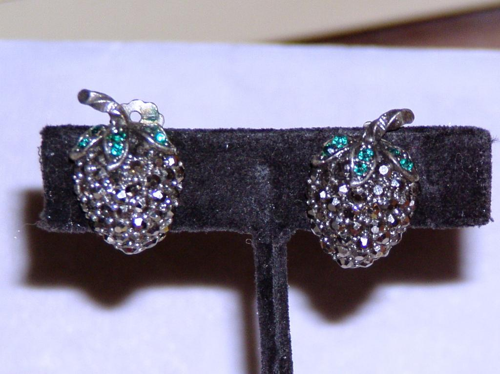 Weiss Hematite Strawberry Clip Earrings