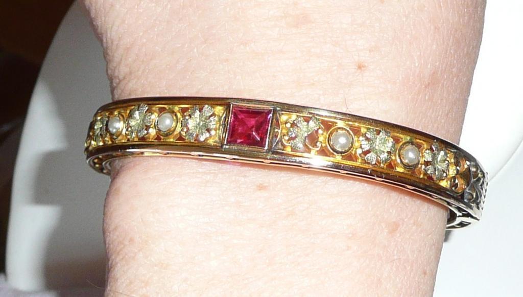 Wonderful Antique Bangle Bracelet