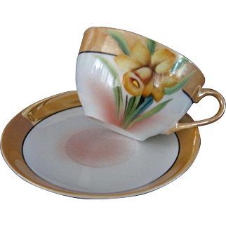 Chikaramachi Lustreware Cup and Saucer with Hand Painted Yellow Daffodil