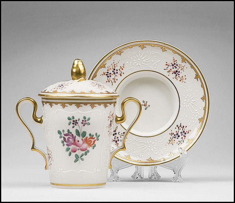 Edme Samson Chinese Export Style Armorial Porcelain Trembleuse