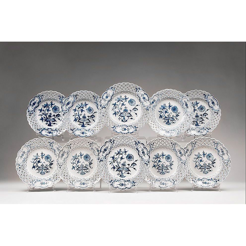 Set of 10 Blue Onion Dessert Plates