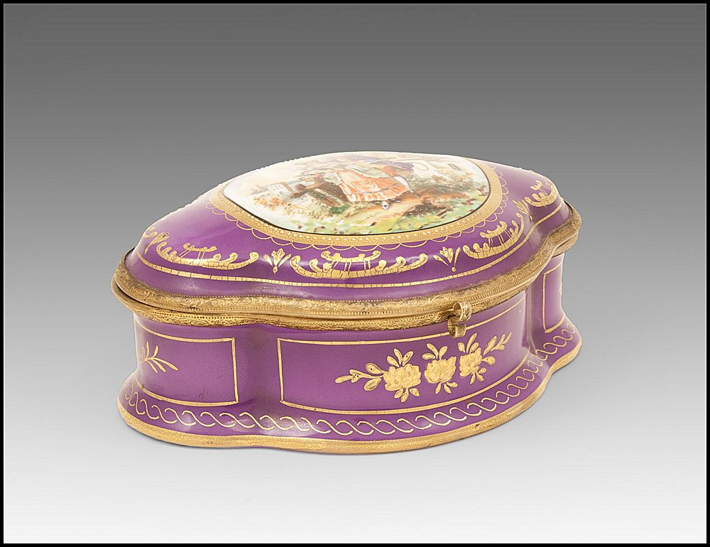 Paris Porcelain Hand Painted Jewelry Casket, Purple Ground