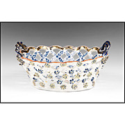Dr. Wall First Period Royal Lily Pattern Worcester Chestnut Basket