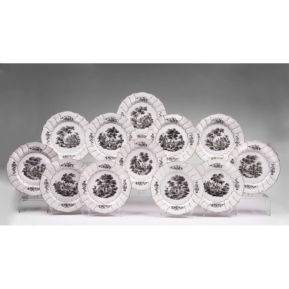 Set of Twelve Samson et Cie Porcelain Dinner Plates Grisaille Decoration
