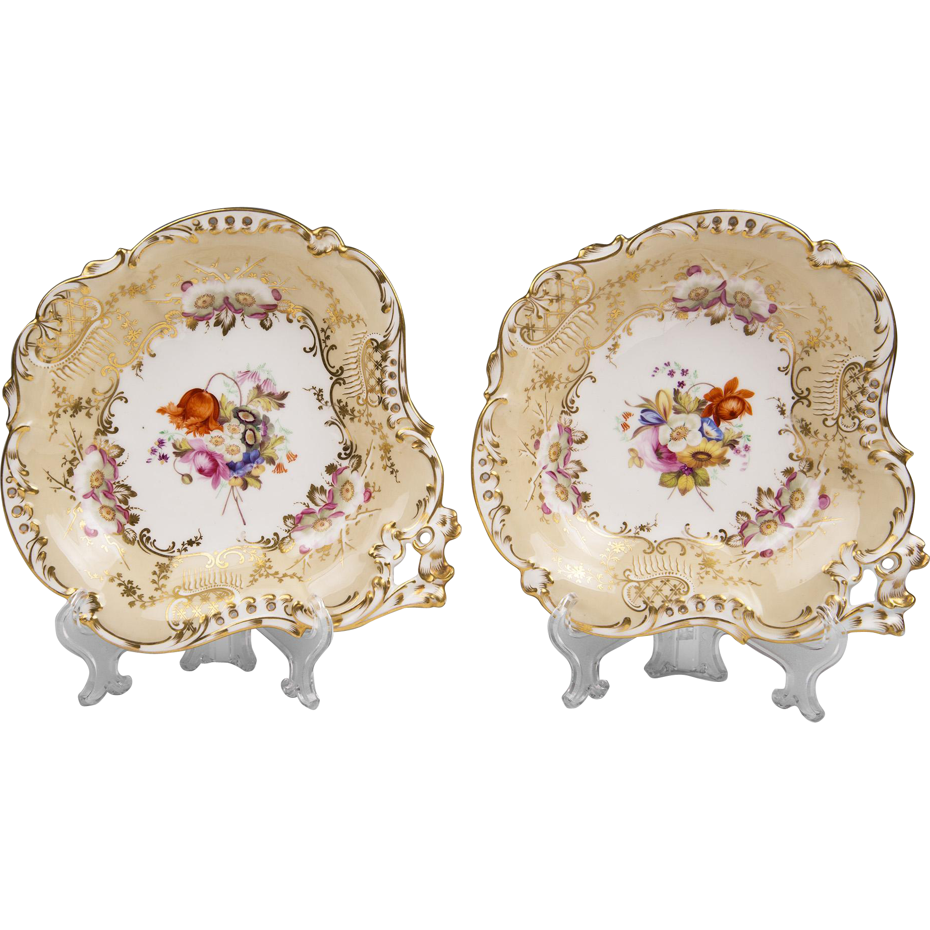 Pair of George III Period Josiah Spode Shell Shaped Side Dishes