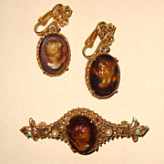 FLORENZA Mahogany-Brown Glass Cameo Brooch & Earrings