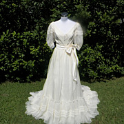 1970s / 1980s Ivory Southern Belle Style Wedding Gown / Dress
