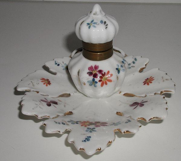 Vintage Hand Painted Floral Porcelain Inkwell Leaf Shaped Liner Brass Hinged Lid Gold