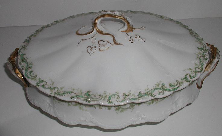 1893 Theodore Haviland Limoges Oval Covered Vegetable Dish Green Scrolls Flowers Fluting Embossing Brushed Gold
