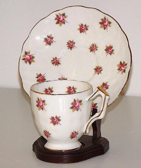 Beautiful Aynsley Pink Rose Demitasse Cup & Saucer Gold