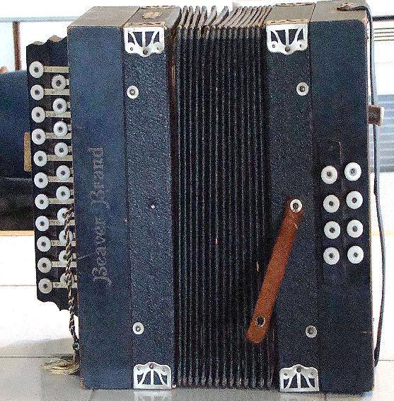 Circa 1906 Beaver Brand Made In Germany Two Row Diatonic Button Accordion