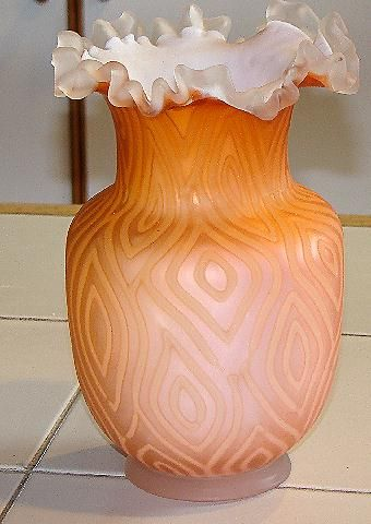 Phenomenal Crested Cased Opalescent Diamond Quilted Satin Glass Vase Salmon To Pink