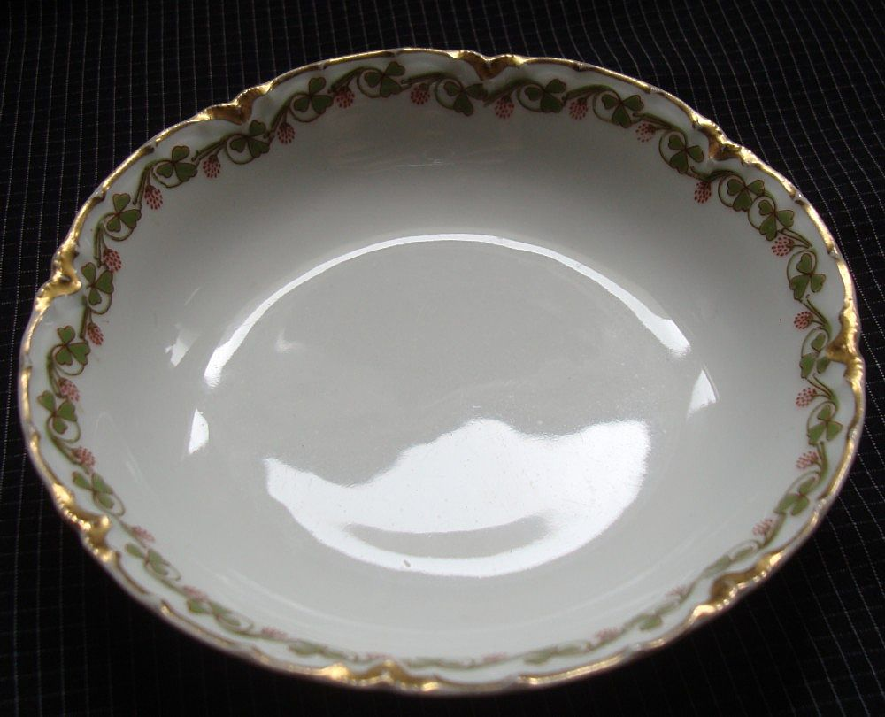 "Haviland Limoges China "" Clover Leaf "" Pattern - Fruit/Berry/Dessert Bowl"