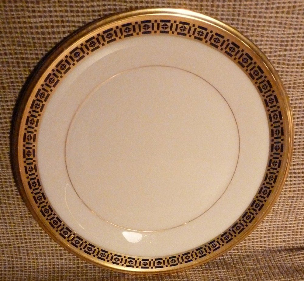 """ Lenox "" Dinner Plate -Tudor Pattern - Cobalt Blue & Gold"