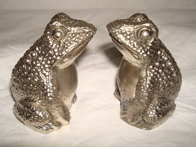 Vintage Silver Metal Frog Salt & Pepper Set