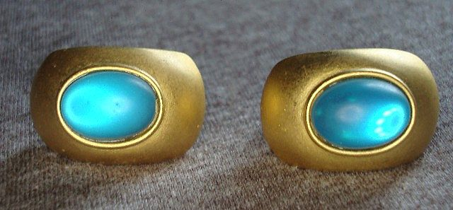 1960's Blue stone Gold tone Ear Rings