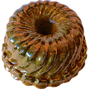 19th century green-glazed Bundt Form