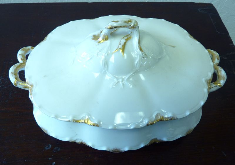 Haviland Limoges white & gold serving dish