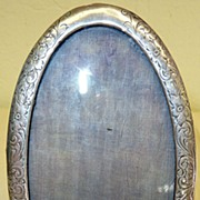 Small oval Victorian picture frame