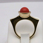 Art Deco style 14K gold cabochon ring