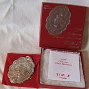 '91 Towle Christmas Floral Medallion – Christmas Chrysanthemum