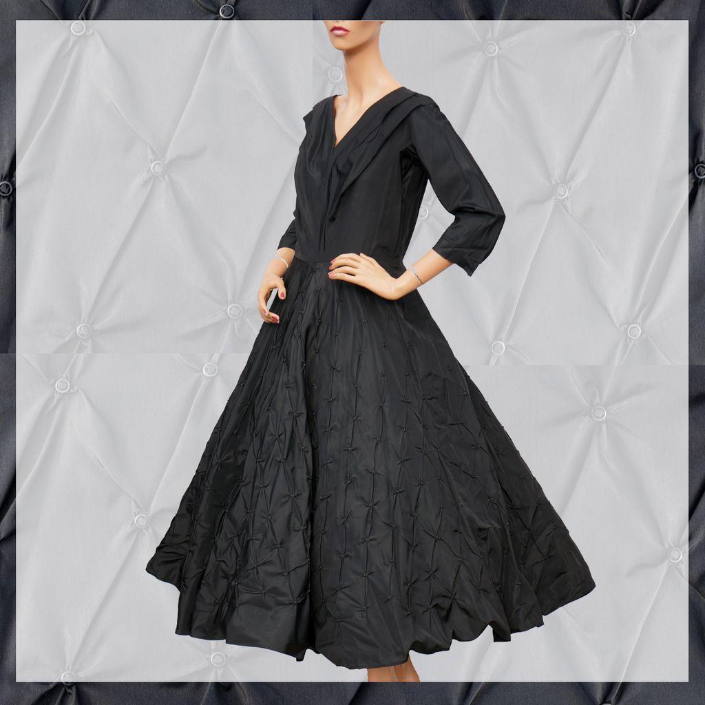 Vintage 1950s Black Silk Taffeta Dress - Ring Puckered Skirt - M ...