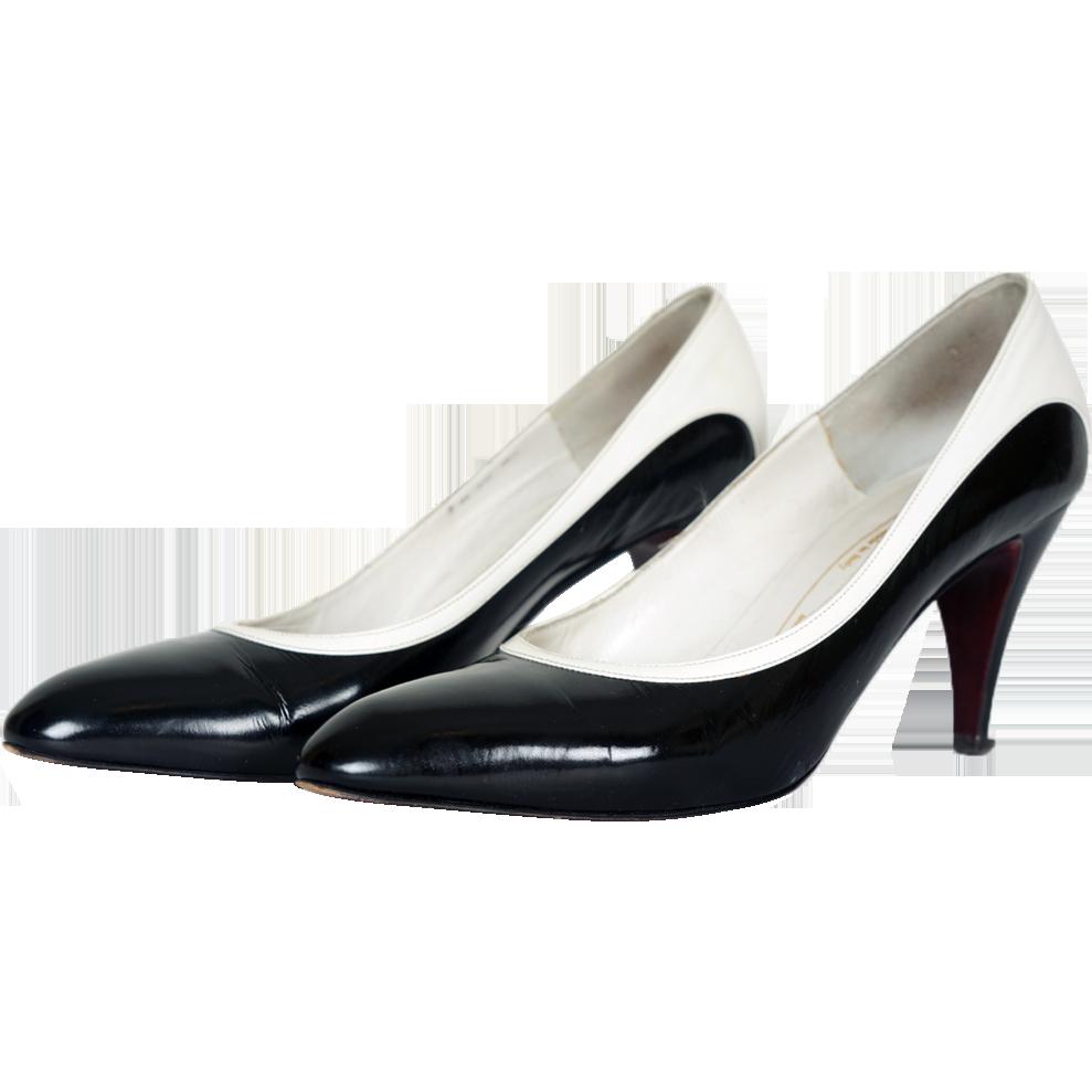 1980s Bruno Magli Black U0026 White Pump Shoes From Poppysvintageclothing On Ruby Lane