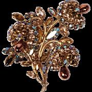 Vintage Trembler Brooch Rhinestones w Gold Toned Setting Floral Form