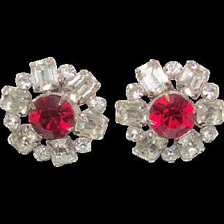 Vintage Weiss Red Rhinestone Crystal Earrings Clip On