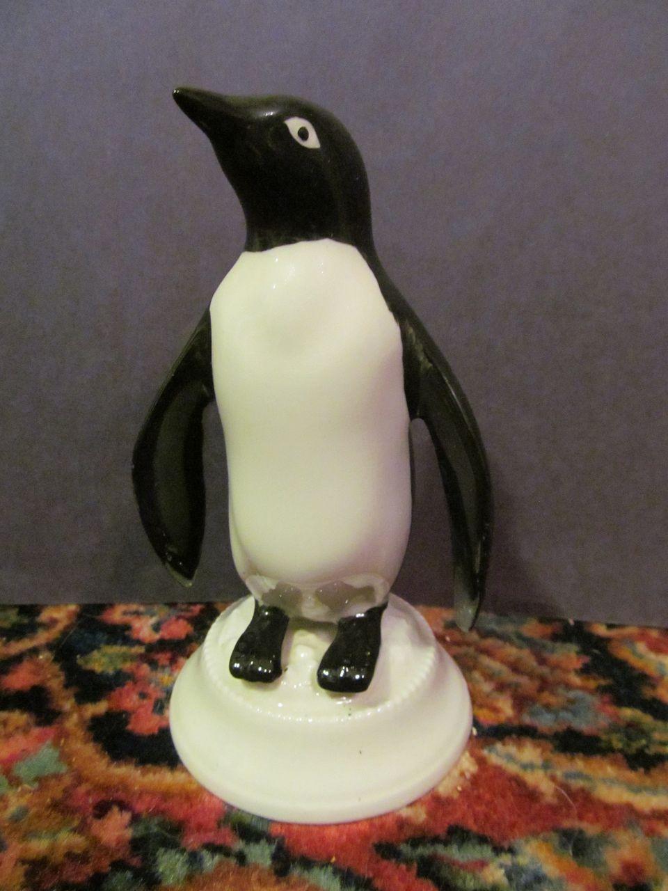 Kingwood Ceramics Penguin, Dwight Morris