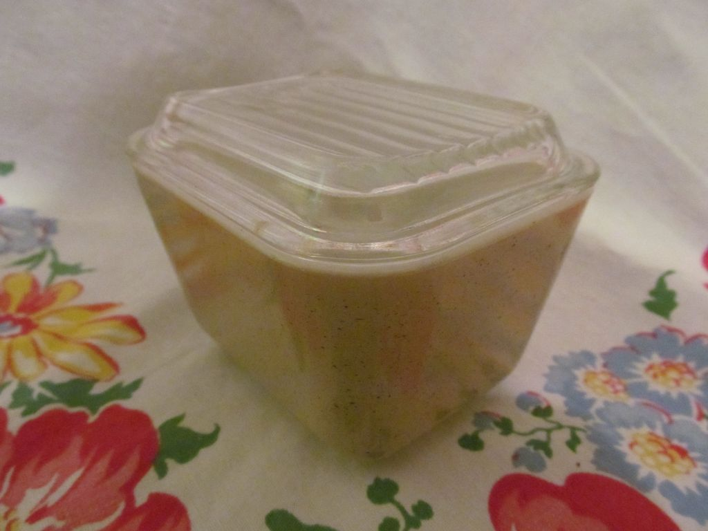 Pyrex Homestead 1 1/2 cup, #601 Refrigerator Dish