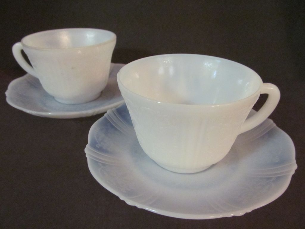 2 American Sweetheart Monax, MacBeth Evans Cup & Saucers + 2 More