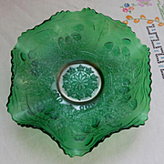 "Fenton Green Carnival Leaf Chain, Bearded Berry Ruffled 9"" Bowl"