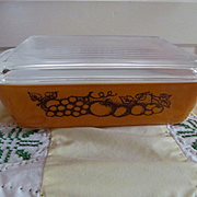 Pyrex Old Orchard #503 1 1/2qt Covered Refrigerator Oven Dish