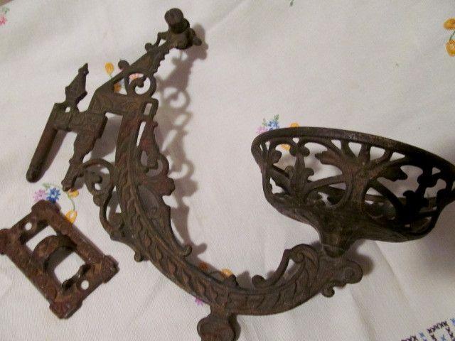 Cast Iron Fancy Kerosene Lamp Bracket, Ideal Stover Mfg Co