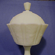 "Fenton Custard Satin Daisy 8 3/4"" Covered Candy Dish"