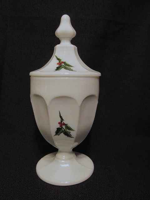 "Westmoreland Christmas Holly Colonial  7 3/4""  Candy Dish, Scarce"