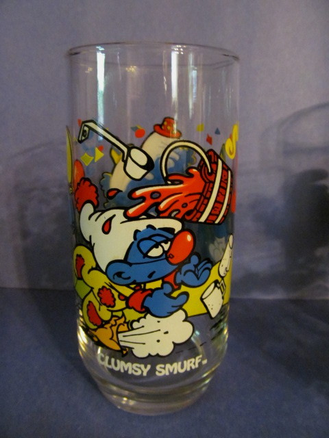 1983 Smurf Clumsy Glass, Peyer, Wallace Berrie