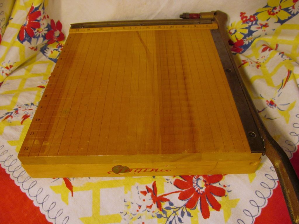 "Ingento #4, 12"" Guillotine Paper Cutter"