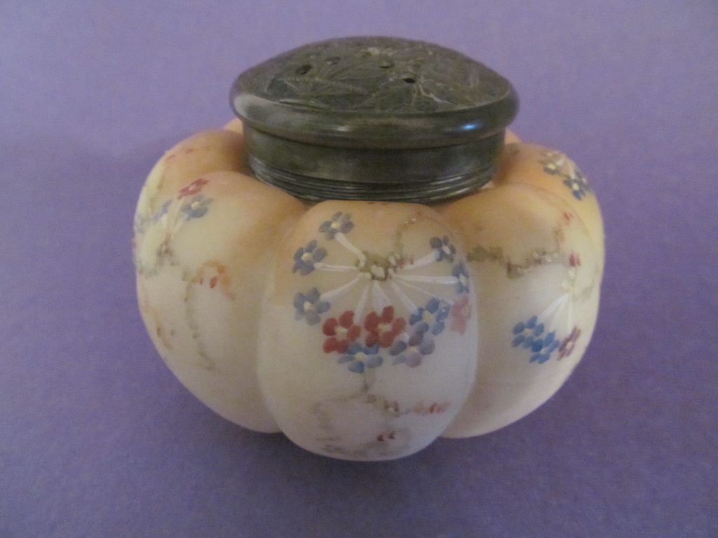 Mt Washington Melon Sugar Shaker, Vase & Flower Lid