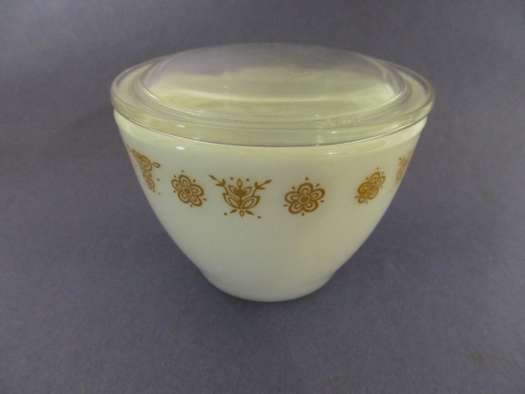 Butterfly Gold Sugar, Glass Lid by Corning