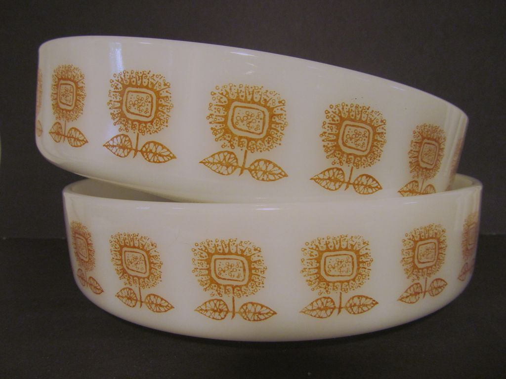 "2 Federal 8"" Serving/Casserole Bowls, Retro Sunflowers"