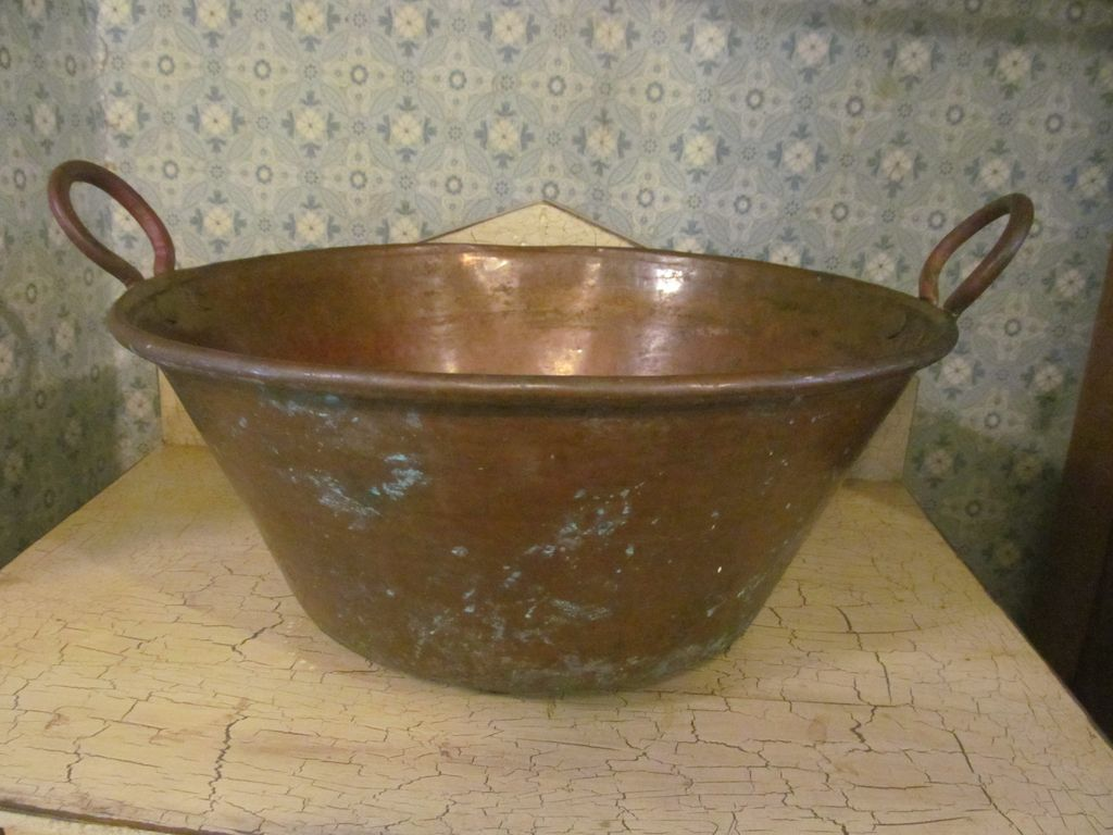"""Nice 14"""" Copper Cauldron with Handles"""