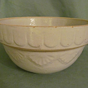 "Pottery 10"" Mixing Bowl with Nice Design"