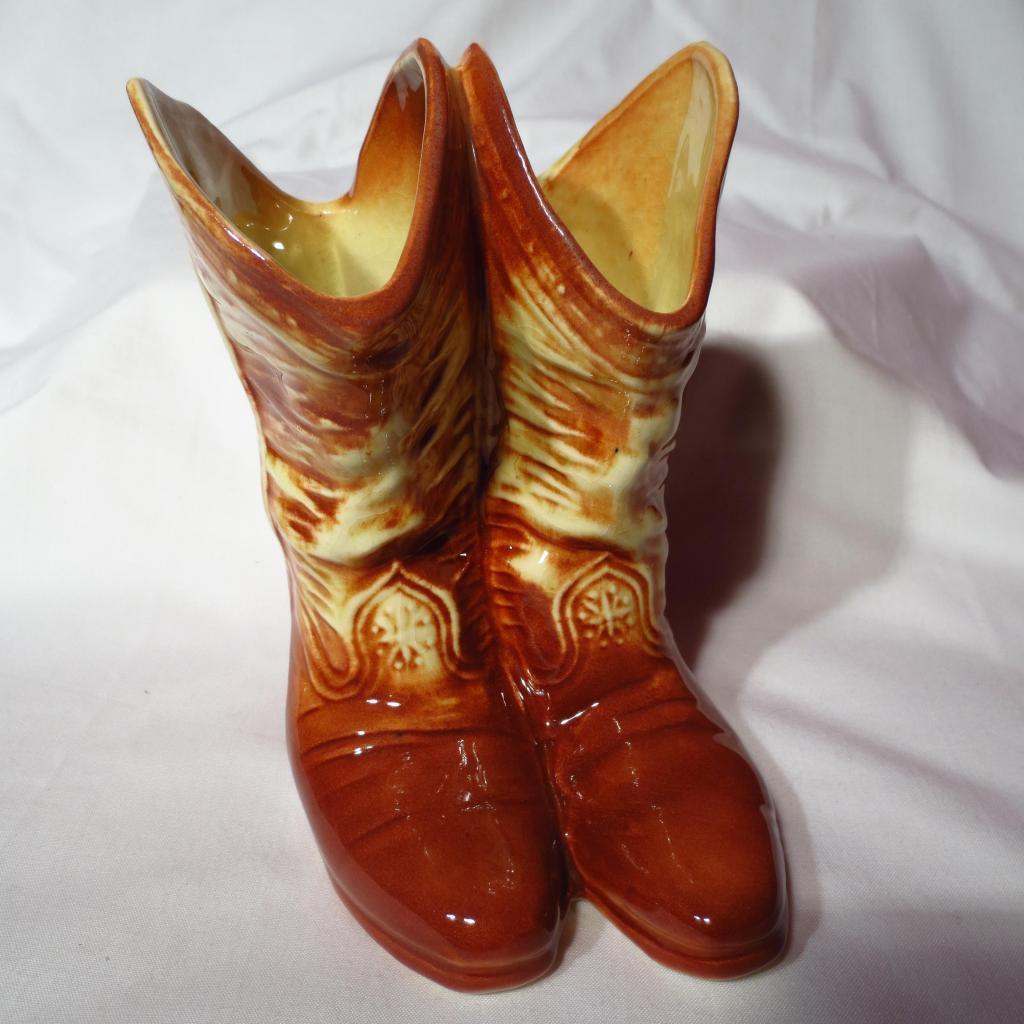 Mccoy hand decorated swan planter vase prairie wind antiques vintage mccoy cowboy boots vase floridaeventfo Images