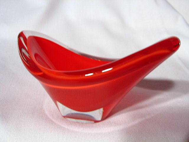 Modernist Flygsfors Coquille Art Glass Dish ~ Paul Kedelv