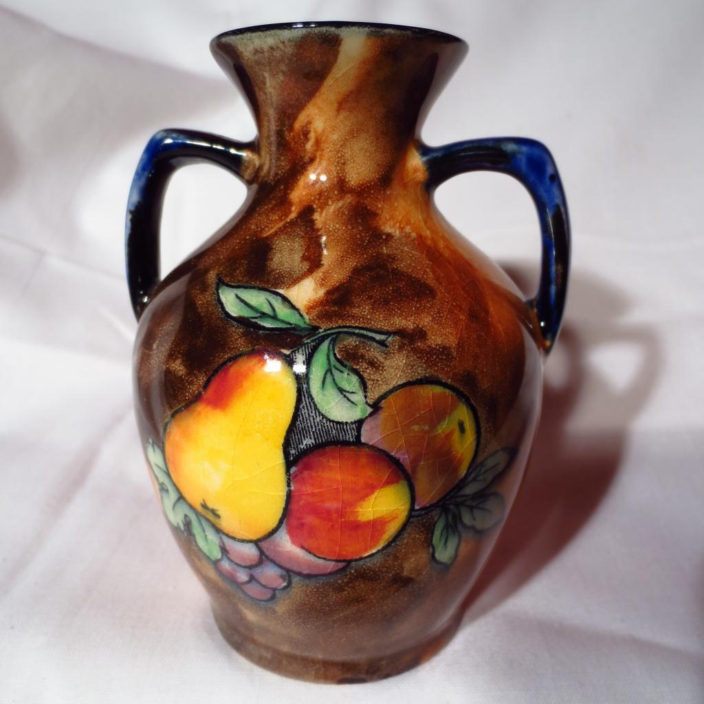 H & K Tunstall Luscious Delicious Dozen Vase