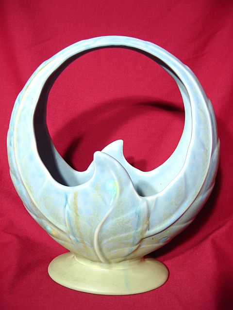 Beswick Large Leaf Basket Vase ~ Model 819