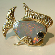 Vintage 14 Karat Yellow Gold Opal Sapphire Fish Brooch Pin Marine Sea Jewelry Estate