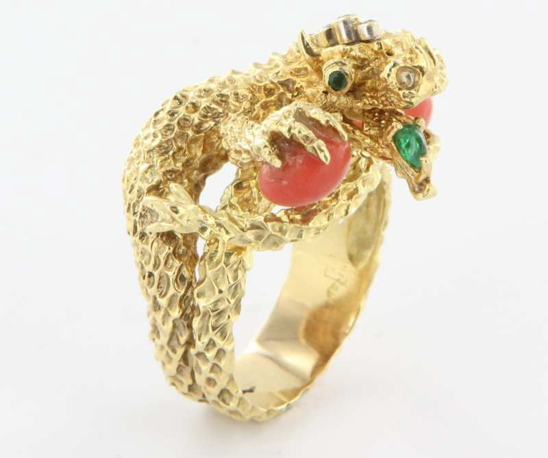 Vintage 18 Karat Yellow Gold Coral Emerald Diamond Chinese Dragon Cocktail Ring Used